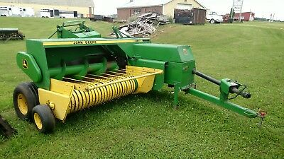 John Deere 328 Small Square Baler - EXTREME CLEAN