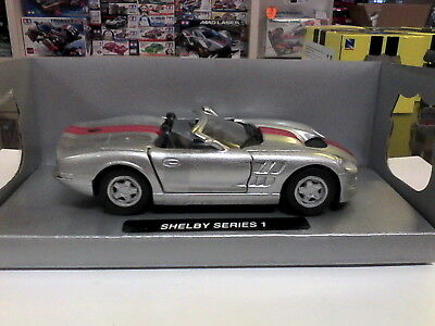 NEW RAY AUTO SHELBY COBRA 427 S//C MUSCLE CAR DIE-CAST 1:32 BLU E BIANCA 50493