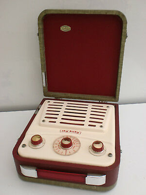 """Vintage 1950's Ever Ready """"Sky Baby"""" Cased Portable Radio Great Condition"""