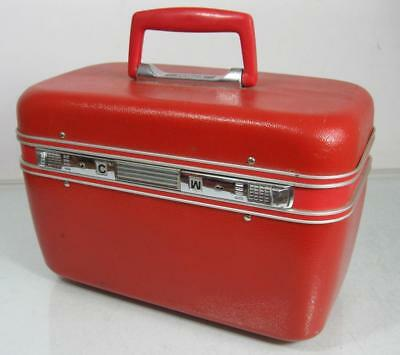Vintage Tosca red make-up/vanity/beauty case c/w mirror/removable tray