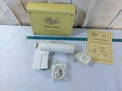 THE PAMPERED CHEF COOKIE PRESS IN ORIGINAL BOX with Instructions and 8 Disks