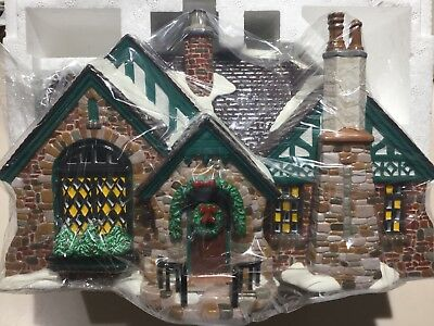 Dept 56 Snow Village® TUDOR HOUSE American Architecture Series BRAND NEW