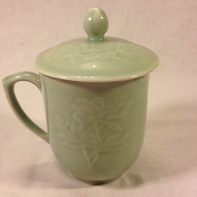 Chinese Celadon, Chrysanthemum Embossed Covered Tea Mug (10 oz.) - (Lot#22CHTC)