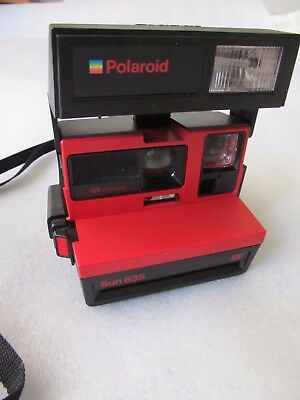 Vintage 1986-92 Instant film Polaroid, Sun 635 QS SE camera - Pop Up Red & Black