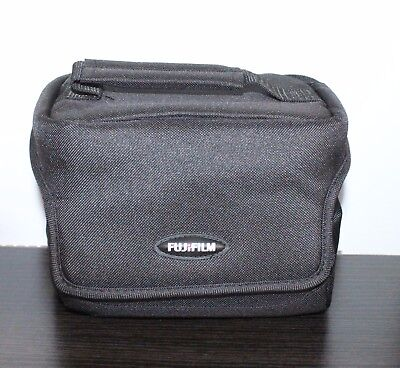 GENUINE FUJIFILM Compact Carry Case for  X-series Compact Camera  - Black- *NEW*