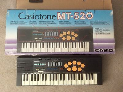 CASIO MT-520 Electronic Keyboard Synthesizer Piano Drums Vintage