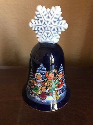 Avon 1987 Christmas Bell Fine Collectibles Snowflake Caroling Holiday 22 Karat