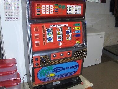 Vintage Rare 7s Dunes SLOT MACHINE over 25 years old works good uses quarters