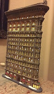 """Very Rare Department 56 Flat Iron Building Christmas in the City Series 14"""" Tall"""