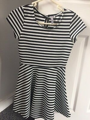 Girls Black And White Dress. Age 10/11