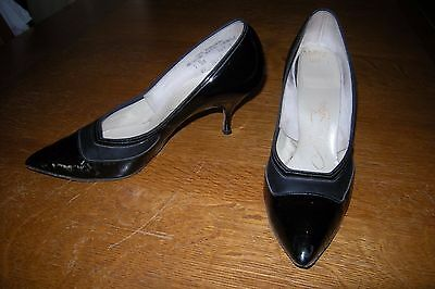 Vintage 50's 60's Shoes Pump Classic Black Patent Leather Air Steps 7 B/AA