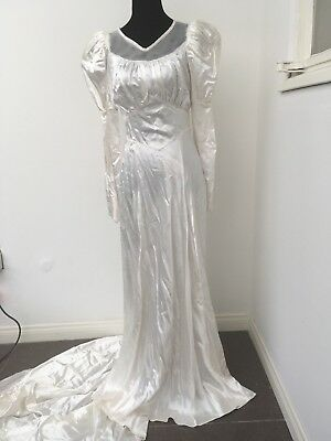 VINTAGE 40s WEDDING GOWN size 4 sleeves train silk satin ivory 1940s