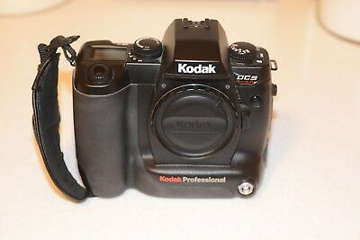 Kodak DCS SLR/c Full Frame 35mm Full Frame Camera with Charger, Canon Compatible