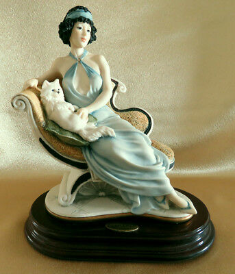 MARIANNE Lady with Cat Giussepe Armani Florence 0135C Event figurine