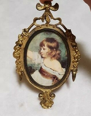 """6 1/2"""" Vintage Oval Ornate Brass Picture Frame- victorian style little girl"""