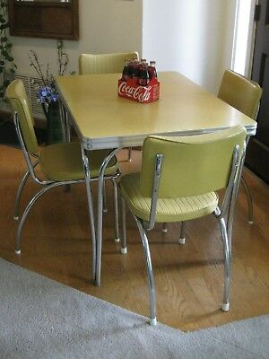 Vintage 1950s Retro Formica Chrome Dinette Kitchen Table/ 4 Chairs
