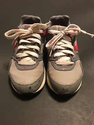 Girls Size 11c Nike Air Max Shoes Sneakers Gray & Pink kids. PLAY CONDITION
