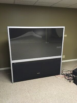 60 inch Toshiba TV - projection big screen