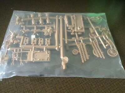 Airfix 1/72 Waterloo Farm Accessories Set