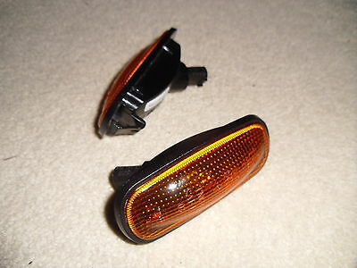 Land Rover Defender Td5 & Puma  Amber Side Repeater Indicator Genuine Pair