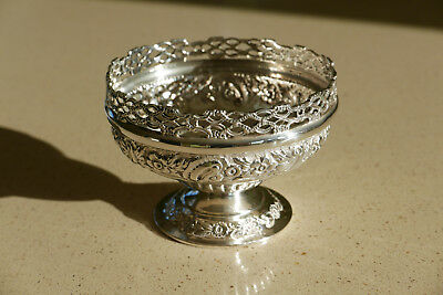 Solid Silver Foliate & Pierced Gallery Bowl, London 1901 Josiah Williams - 147g