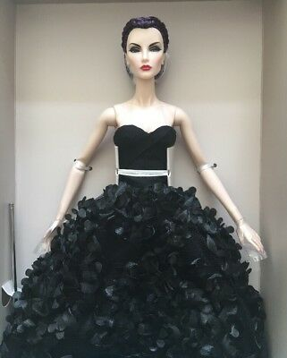 Signed By Jason Wu Integrity 2017 Fairytale Convention Doll Elyse Malefique NRFB