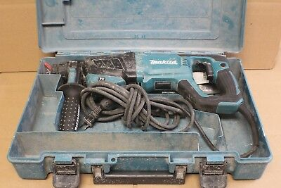 "Makita HR2641 - 1"" AVT - SDS Plus - Rotary Hammer Drill in Case w/ Bits"