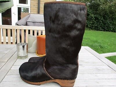 Fabulous New Sanita Brown Arctic Fur Boots Clogs - size 40