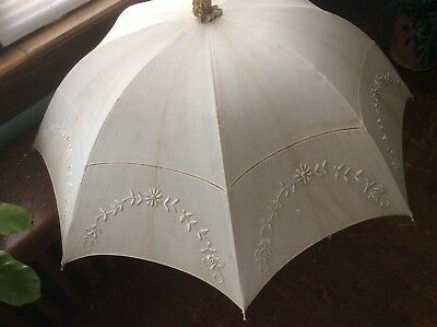 Victorian Parasol, Ivory with Bamboo Handle