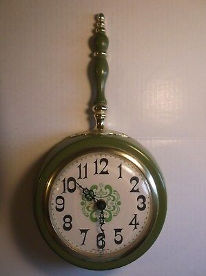 Vintage Retro Cool Spartus Wall Clock Green On Lime Green Kitchen