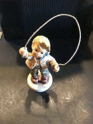 Hum #2084/b Count Me In Goebel M.i. Hummel Figurine First Issue Signed