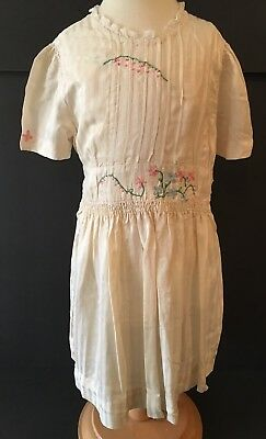 VINTAGE Girls Off White Silk Dress With Embroidered Flowers & Lace Trim