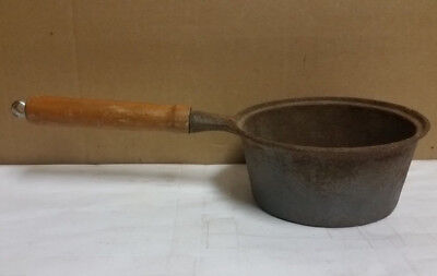 Vintage Wood Handled Cast Iron 1 Qt. Saucepan - Made in Taiwan