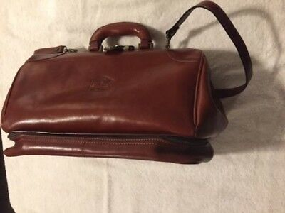 Beautiful Leather Doctor's Style Bag