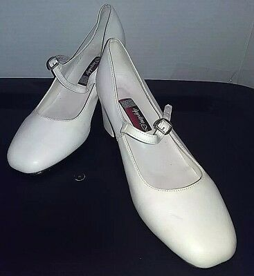 """Women's white D'naydely tap shoes with 2"""" blocky heels size 7"""