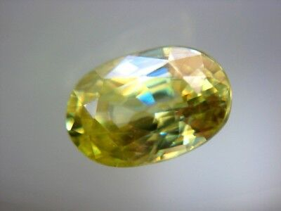 TITANIT (SPHEN)  -  OVAL FACET  -  6,7x4,5 mm  -  0,90 ct.