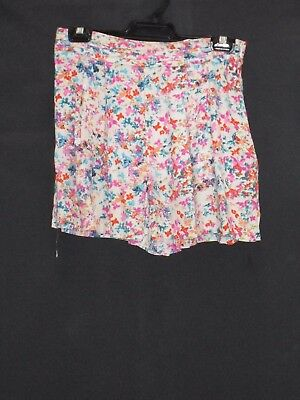 1990's/2000's High Waisted Flared Floral Shorts.