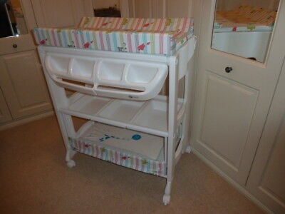 Baby changing  and bathing unit, excellent condition