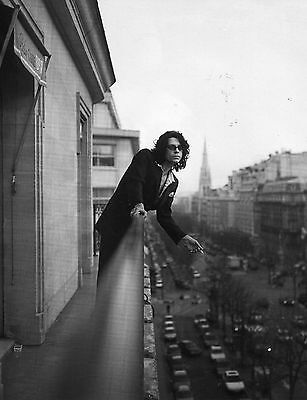 MICHAEL HUTCHENCE PINUP CLIPPING 90's HANGIN ON THE BALCONY INXS