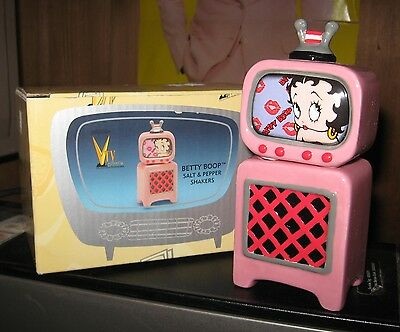 Unused 2000 Vandor BETTY BOOP S&P Shakers TV Set and Stand Pink Ceramic w/Box