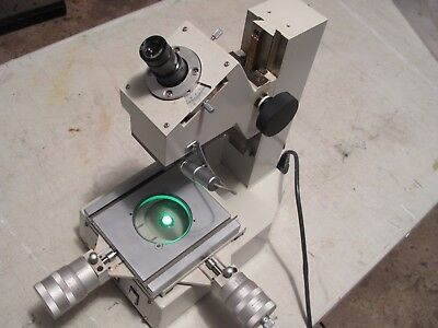 Mitutoyo 176-901-1A Toolmakers Microscope With Mitutoyo Original Cover