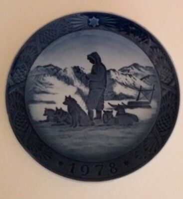 Royal  Copenhagen Decorative  Denmark  Plate - Greenland Scenery  IY  1978