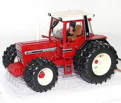 britains 42490 international ih 956 xl tractor 1 32 eur. Black Bedroom Furniture Sets. Home Design Ideas