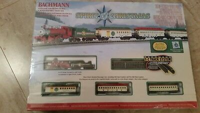 Bachmann N Scale Spirit Of Christmas Passenger Train Set