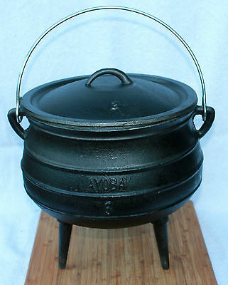 Size 3 Potjie ( Camp oven)