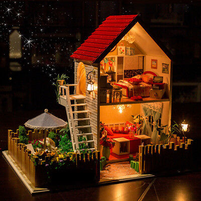 Hoomeda 13828 The Star Dreaming House DIY Dollhouse With Light Music Miniature M
