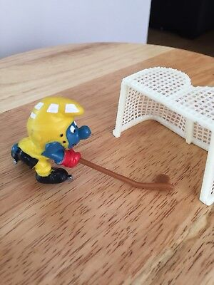 Vintage Plastic Smurf With Hockey Stick And Net
