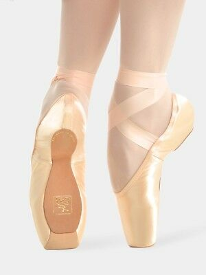 Gaynor Minden Pointe Shoe 9M 3 Box Hard Deep Vamp High Heel
