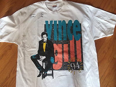 VINCE GILL rare 1994 tour shirt signed by Crook & Chase! Adult X-Large