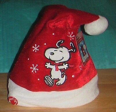 Snoopy Peanuts (New) Musical Animated Santa Christmas Hat Plays Linus & Lucy